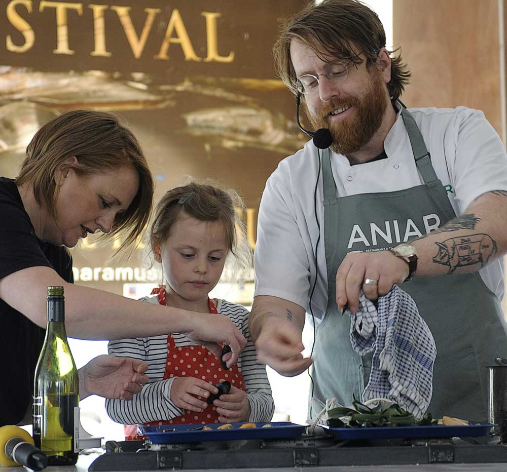 Childrens-Cooking-at-the-Conemara-Mussel-Festival